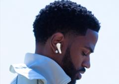 蓝牙耳机渲染详情